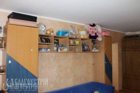 5-x квартира, Героїв Крут (Червоних Курсантів), 8